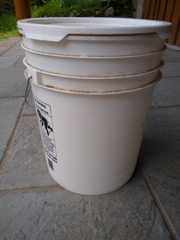 5 gallon buckets and blue tarps… now you're homesteadin'!